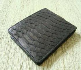 Leather men wallet. Genuine snakeskin. Black leather wallet.